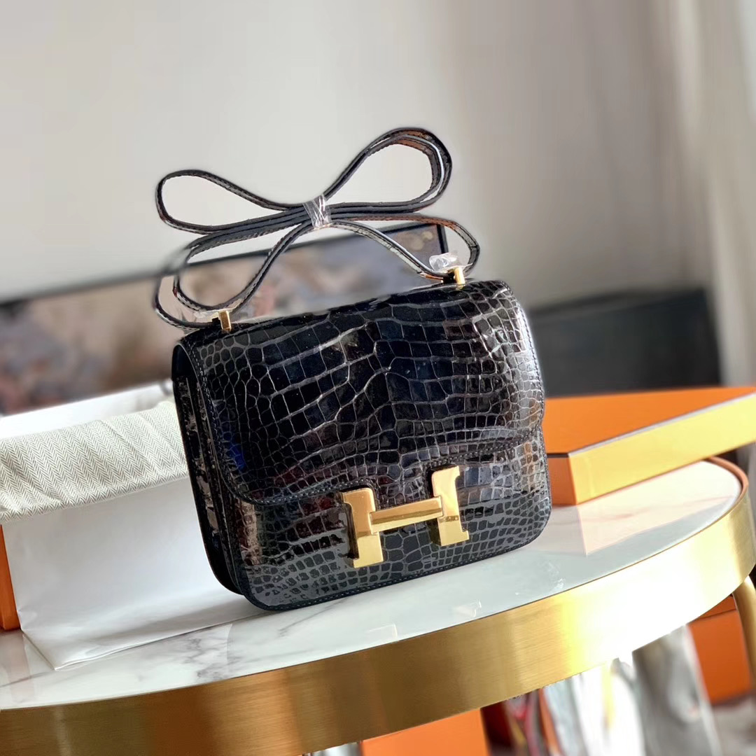 Hermes Constance 康斯坦斯 18cm 小康   原厂亮面HCP美洲鳄鱼皮 黑色 金扣