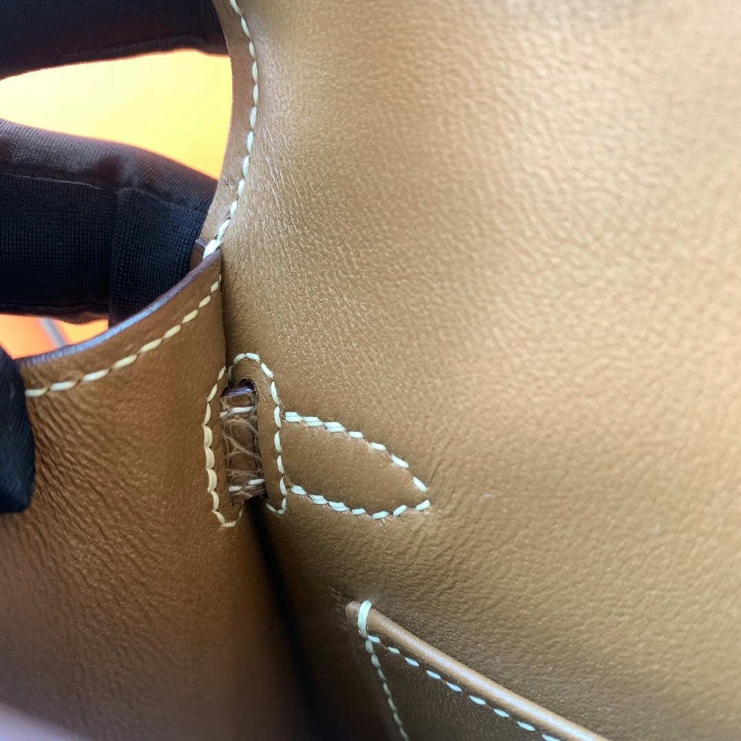 Hermès(爱马仕)Minikelly 迷你凯莉 HCP 美洲亮面鳄鱼皮 烟草色 Nior 金扣 二代