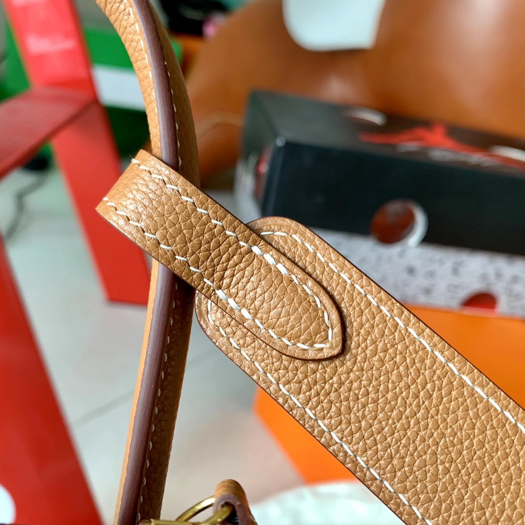 Hermès(爱马仕)Lindy 琳迪包 1H 沙滩金 太妃色 Evercolor皮 银扣 26cm